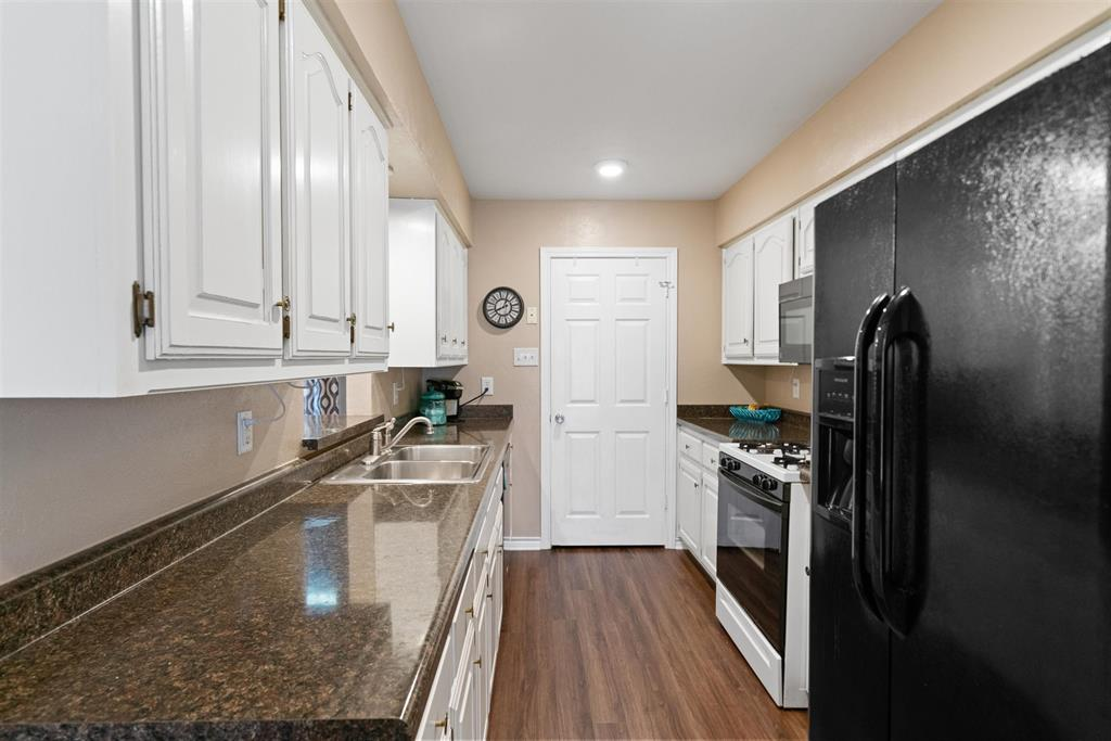 607 Orchard  Lane, Forney, Texas 75126 - acquisto real estate best realtor dallas texas linda miller agent for cultural buyers