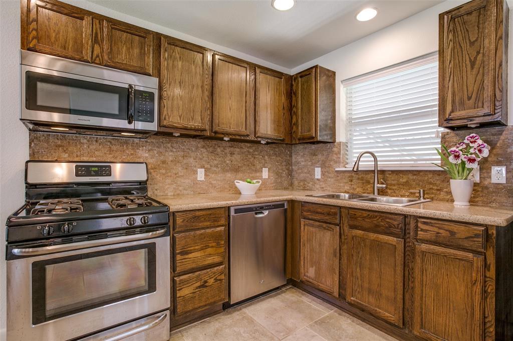 11619 Colmar Street, Dallas, Texas 75218 - acquisto real estate best new home sales realtor linda miller executor real estate