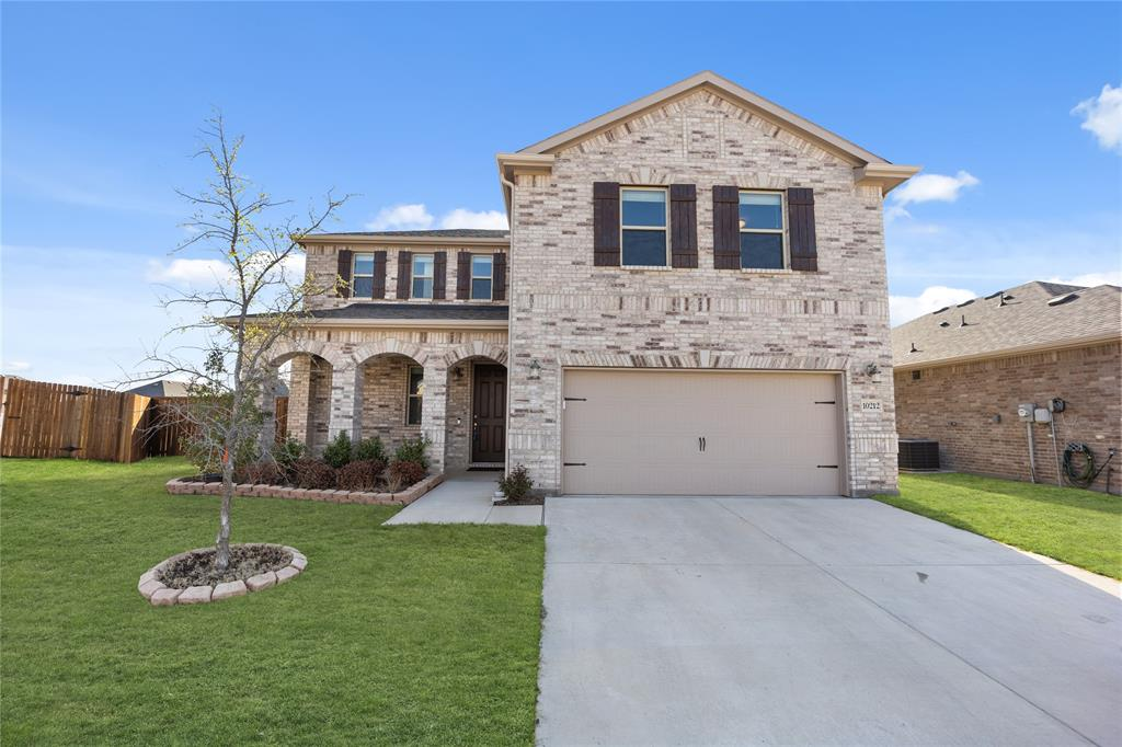 10212 Fox Grove Court, Fort Worth, Texas 76131 - Acquisto Real Estate best plano realtor mike Shepherd home owners association expert