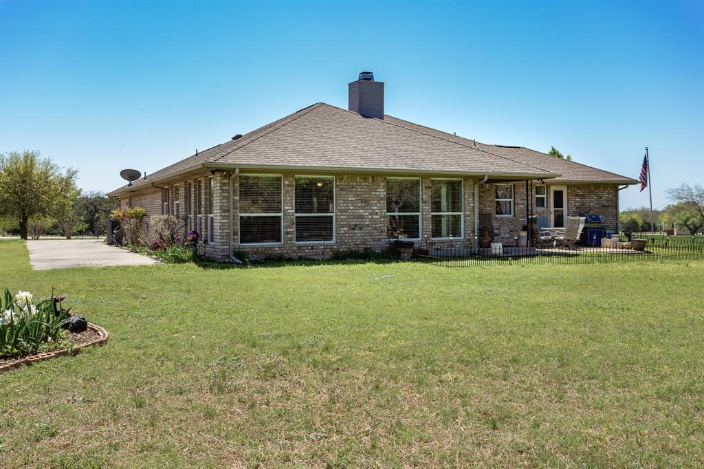 1649 White Bluff  Drive, Whitney, Texas 76692 - acquisto real estate best negotiating realtor linda miller declutter realtor