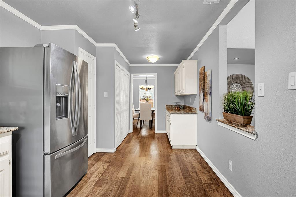 2108 Newcombe Drive, Plano, Texas 75093 - acquisto real estate best real estate company to work for