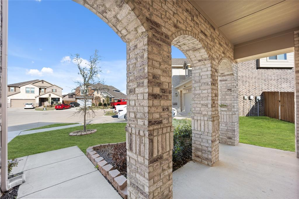 10212 Fox Grove Court, Fort Worth, Texas 76131 - acquisto real estaet best boutique real estate firm in texas for high net worth sellers