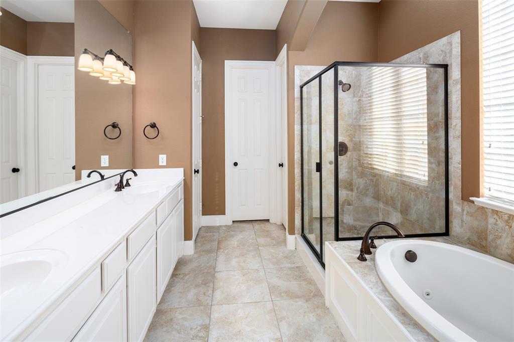 935 Pine Burst  Drive, Allen, Texas 75013 - acquisto real estate best photos for luxury listings amy gasperini quick sale real estate