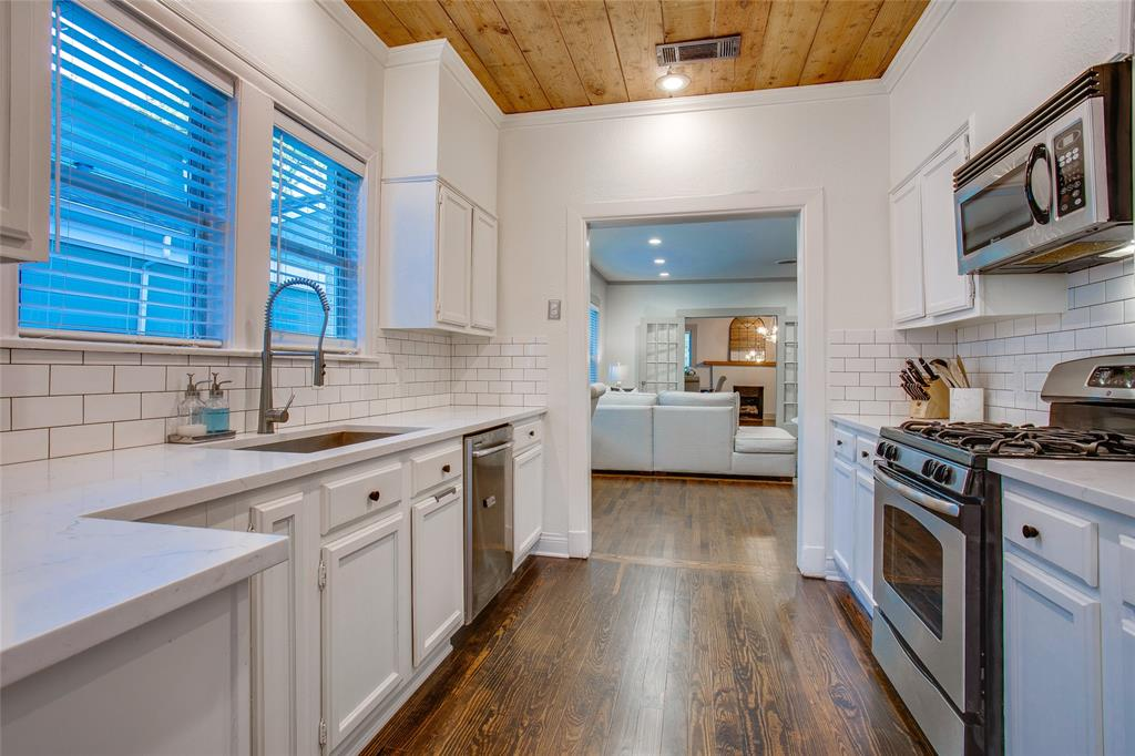 818 Thomasson  Drive, Dallas, Texas 75208 - acquisto real estate best style realtor kim miller best real estate reviews dfw