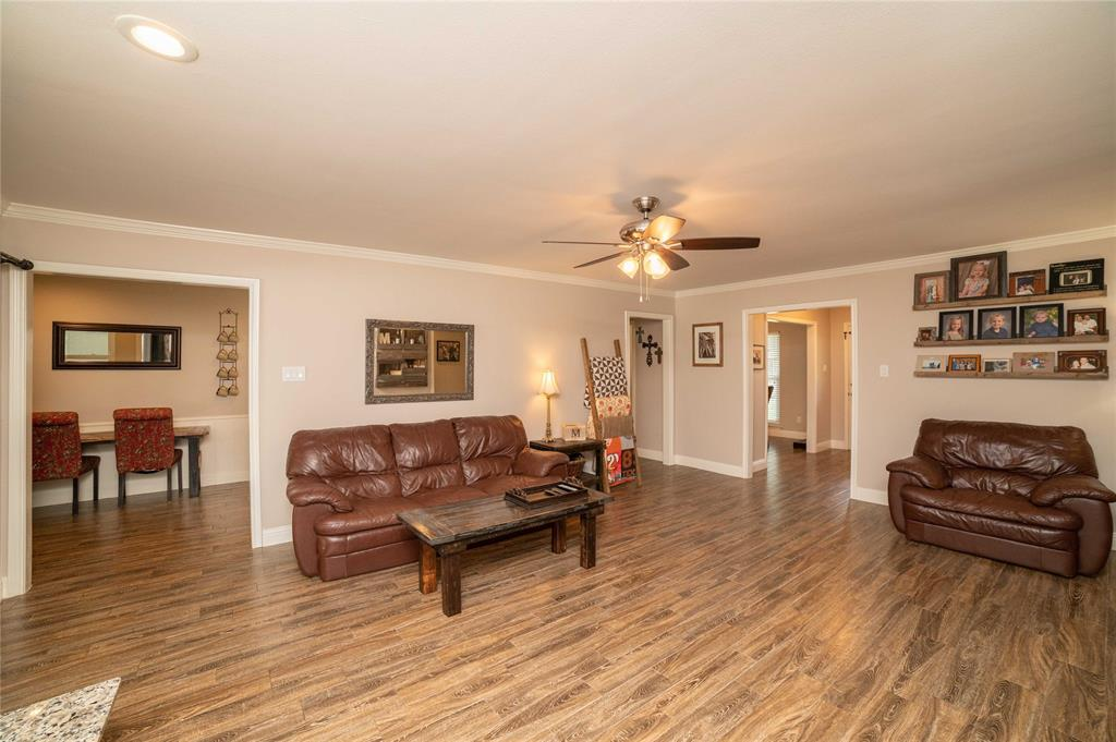 2426 Sherwood  Drive, Grand Prairie, Texas 75050 - acquisto real estate best photos for luxury listings amy gasperini quick sale real estate