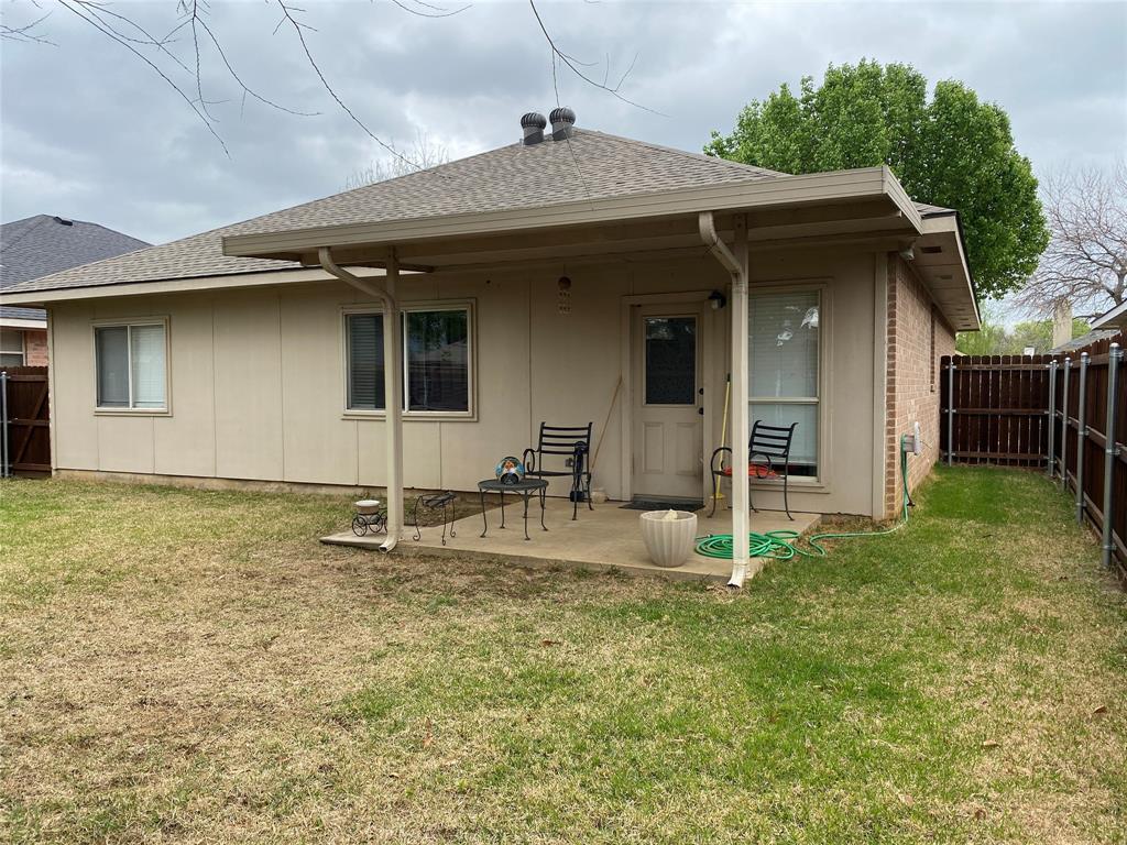 317 Texas  Drive, Lake Dallas, Texas 75065 - acquisto real estate best the colony realtor linda miller the bridges real estate