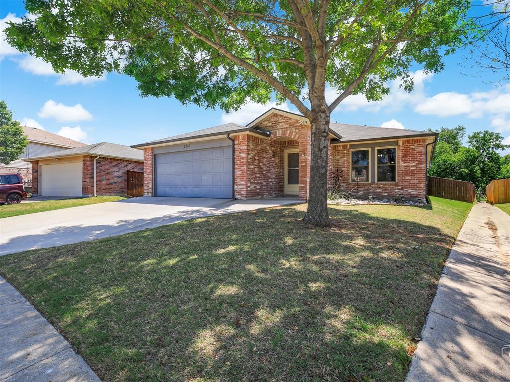 2516 Red Oak  Drive, Little Elm, Texas 75068 - acquisto real estate best the colony realtor linda miller the bridges real estate