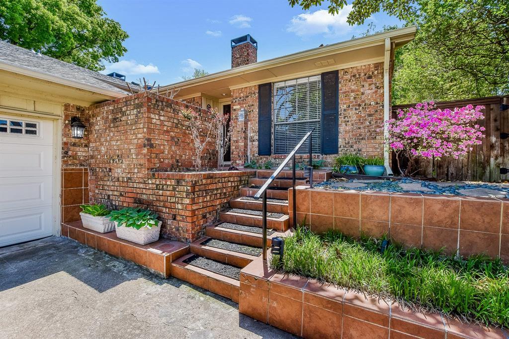 2820 Prescott  Drive, Carrollton, Texas 75006 - acquisto real estate best highland park realtor amy gasperini fast real estate service