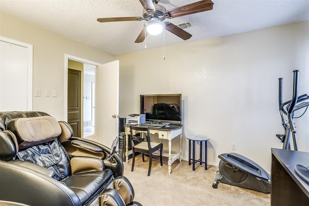 1503 Fielder  Road, Arlington, Texas 76012 - acquisto real estate agent of the year mike shepherd