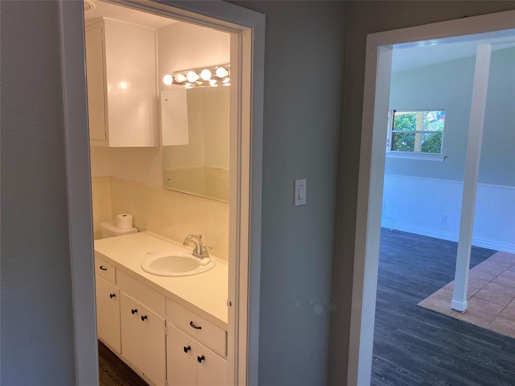 13555 Brookgreen  Drive, Dallas, Texas 75240 - acquisto real estate best real estate company to work for