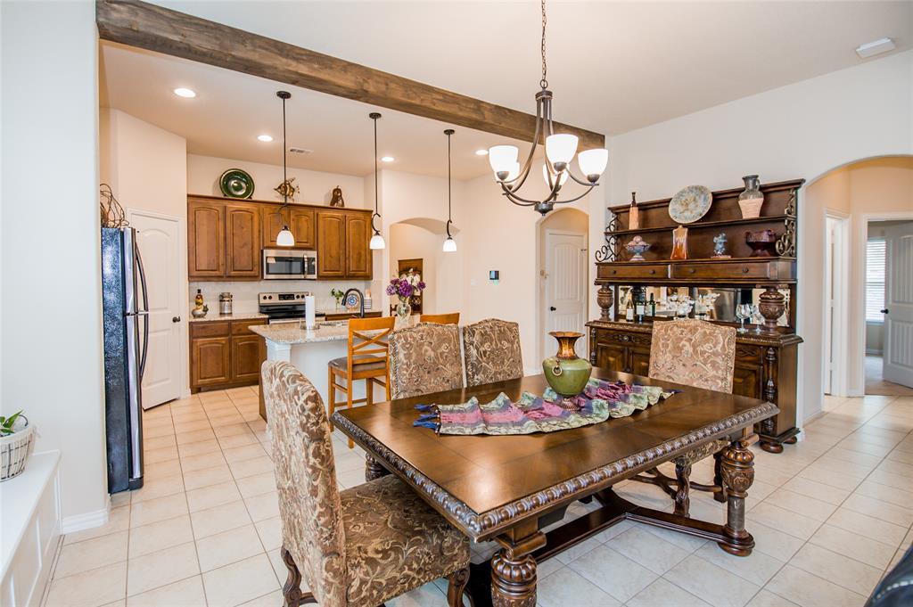 1604 Pacific Avenue, Ennis, Texas 75119 - acquisto real estate best new home sales realtor linda miller executor real estate
