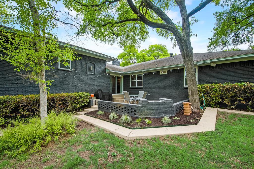 2443 Monaco  Lane, Dallas, Texas 75233 - Acquisto Real Estate best plano realtor mike Shepherd home owners association expert