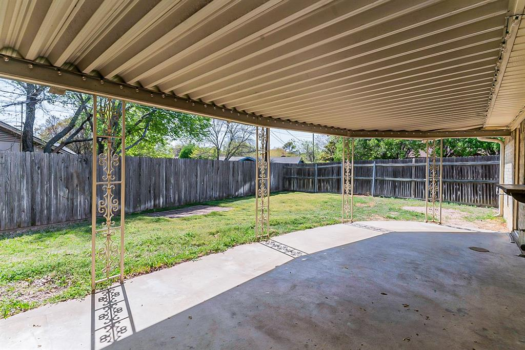 3445 Willowcrest Drive, North Richland Hills, Texas 76117 - acquisto real estate best park cities realtor kim miller best staging agent