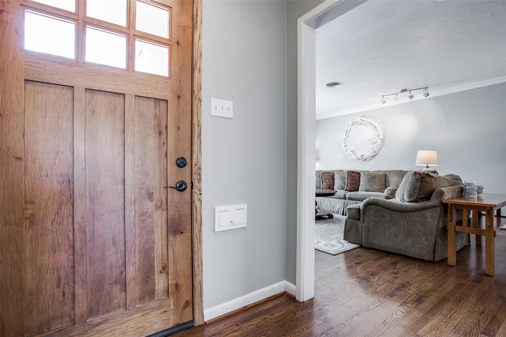10005 Lakedale Drive, Dallas, Texas 75218 - acquisto real estate best the colony realtor linda miller the bridges real estate