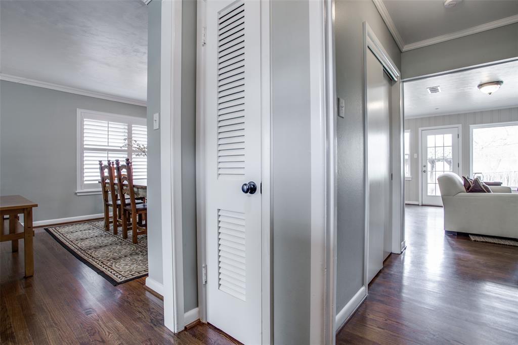 10005 Lakedale Drive, Dallas, Texas 75218 - acquisto real estate best prosper realtor susan cancemi windfarms realtor