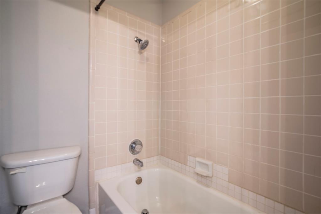 6230 Fernwood  Drive, Arlington, Texas 76001 - acquisto real estate best new home sales realtor linda miller executor real estate