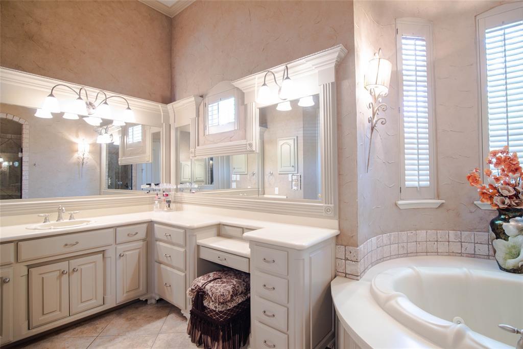 577 Round Hollow  Lane, Southlake, Texas 76092 - acquisto real estate best style realtor kim miller best real estate reviews dfw