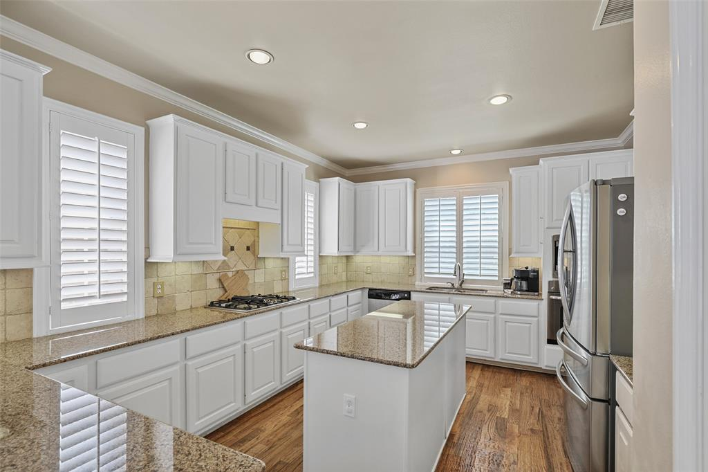 3828 Peppertree  Drive, Carrollton, Texas 75007 - acquisto real estate best prosper realtor susan cancemi windfarms realtor