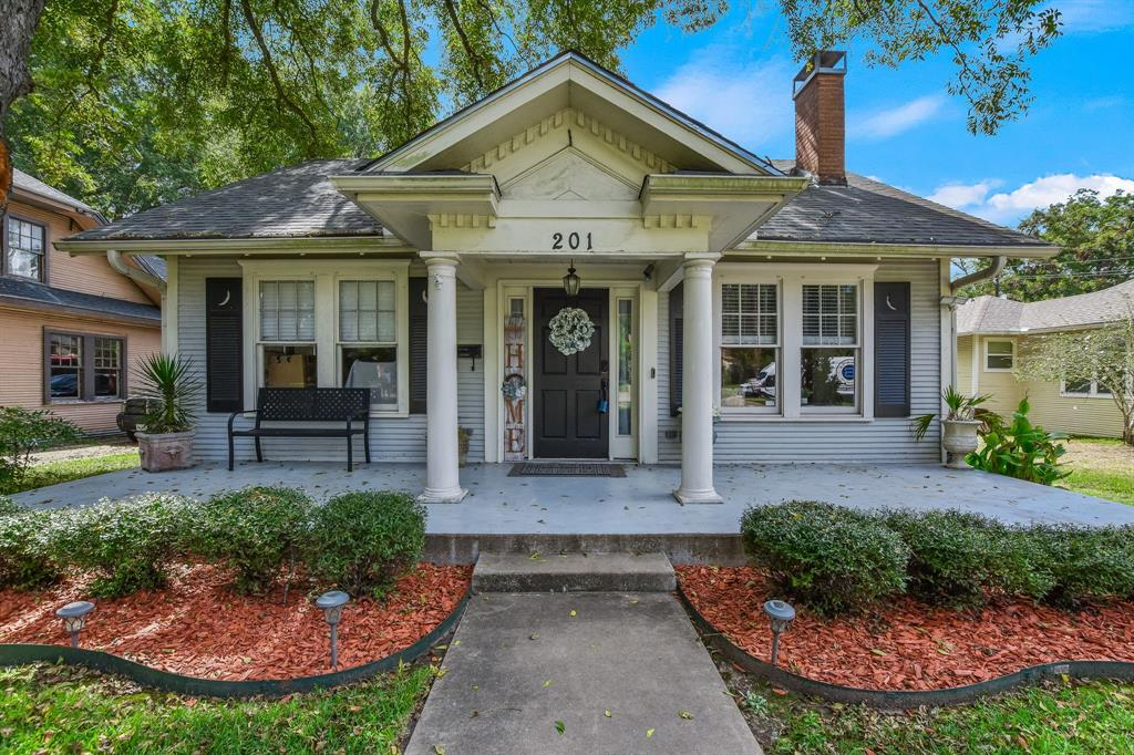 201 Pecan  Street, Terrell, Texas 75160 - Acquisto Real Estate best plano realtor mike Shepherd home owners association expert