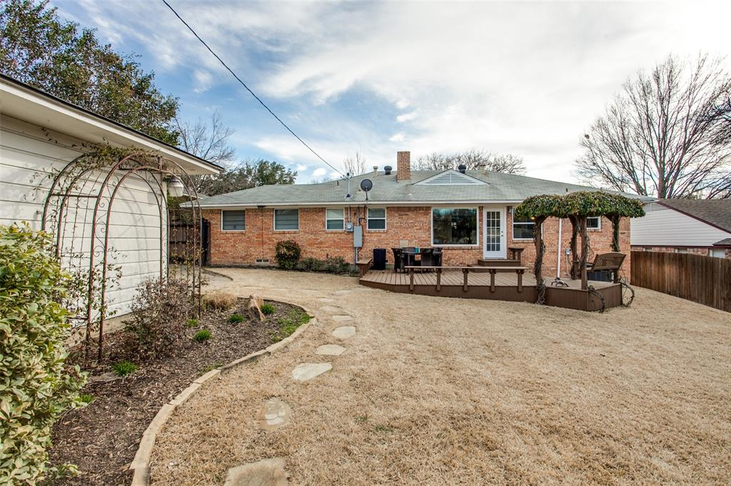 10005 Lakedale Drive, Dallas, Texas 75218 - acquisto real estate best realtor dfw jody daley liberty high school realtor