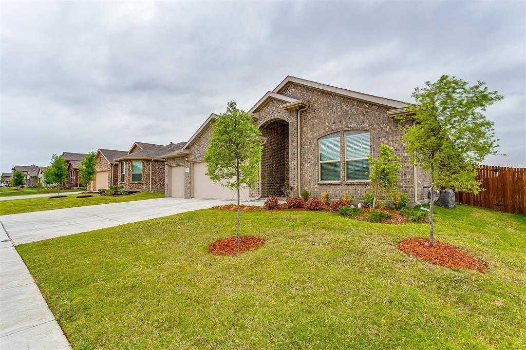568 Pendennis  Drive, Saginaw, Texas 76131 - acquisto real estate best allen realtor kim miller hunters creek expert