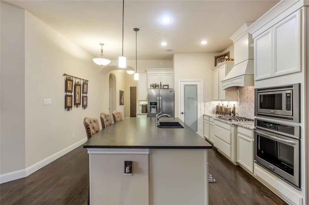 5221 Sutton  Circle, McKinney, Texas 75070 - acquisto real estate best celina realtor logan lawrence best dressed realtor