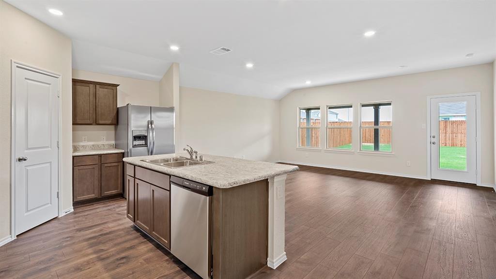 9328 HERRINGBONE Drive, Fort Worth, Texas 76131 - acquisto real estate best prosper realtor susan cancemi windfarms realtor