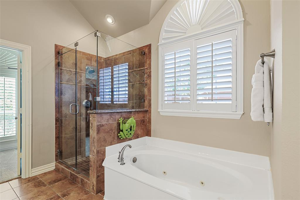3828 Peppertree  Drive, Carrollton, Texas 75007 - acquisto real estate best investor home specialist mike shepherd relocation expert