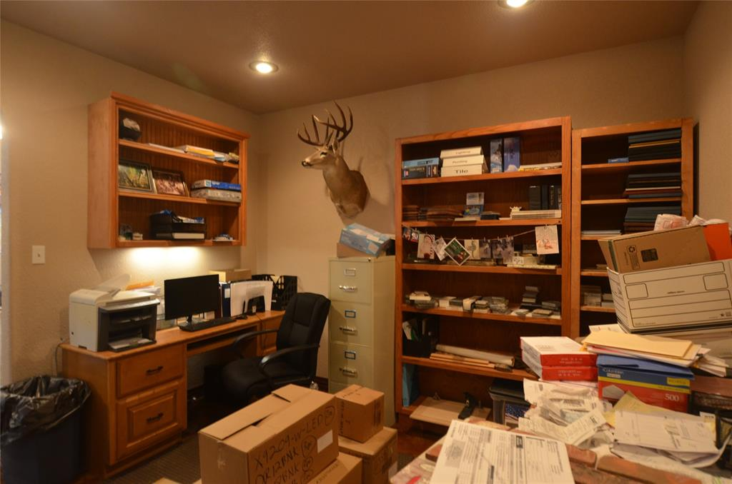 101 Chrissa Drive, Pottsboro, Texas 75076 - acquisto real estate best highland park realtor amy gasperini fast real estate service