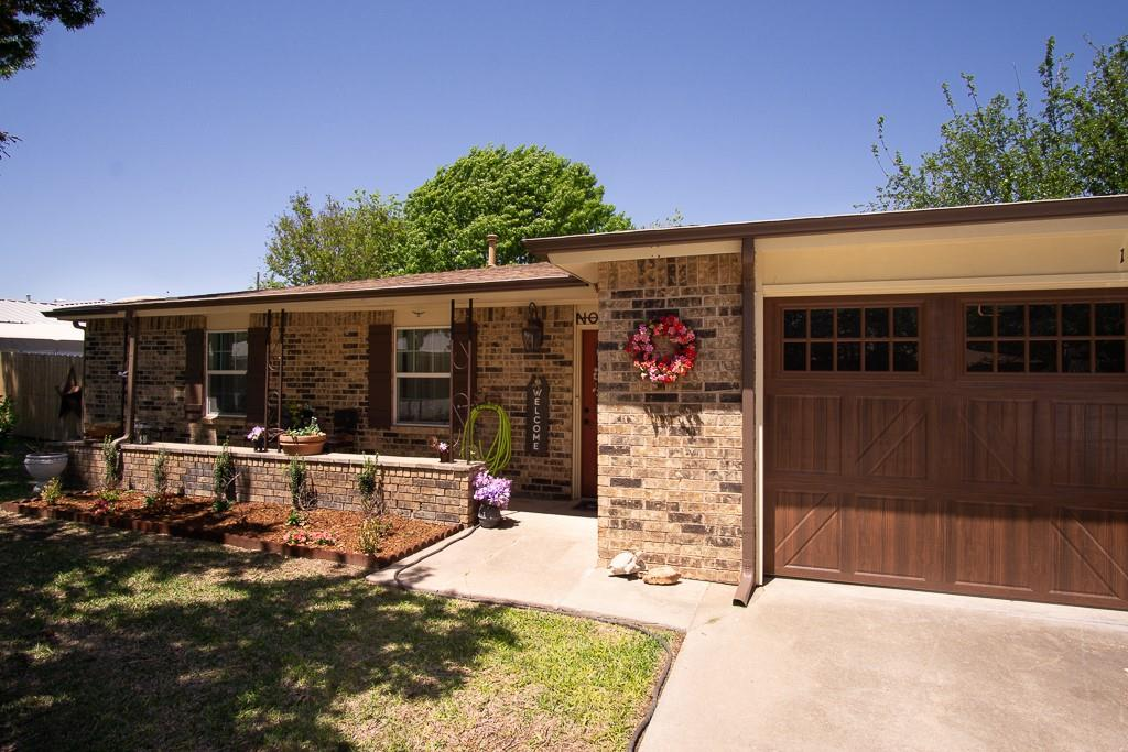 1406 Jackson  Street, Bowie, Texas 76230 - Acquisto Real Estate best plano realtor mike Shepherd home owners association expert