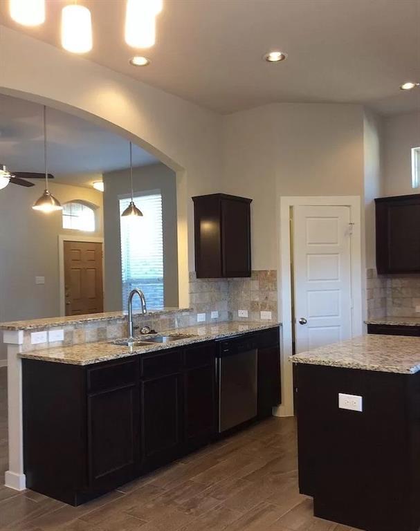 1050 Sierra Vista  Court, Midlothian, Texas 76065 - acquisto real estate best celina realtor logan lawrence best dressed realtor