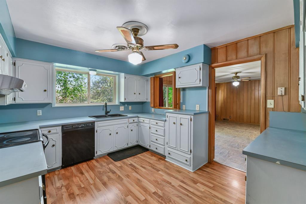 2428 Oakridge Street, Denton, Texas 76209 - acquisto real estate best prosper realtor susan cancemi windfarms realtor