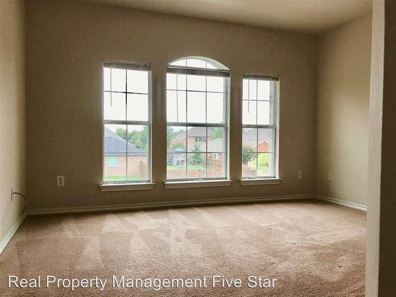 5100 Brookside Drive, Denton, Texas 76226 - acquisto real estate best frisco real estate broker in texas for high net worth buyers