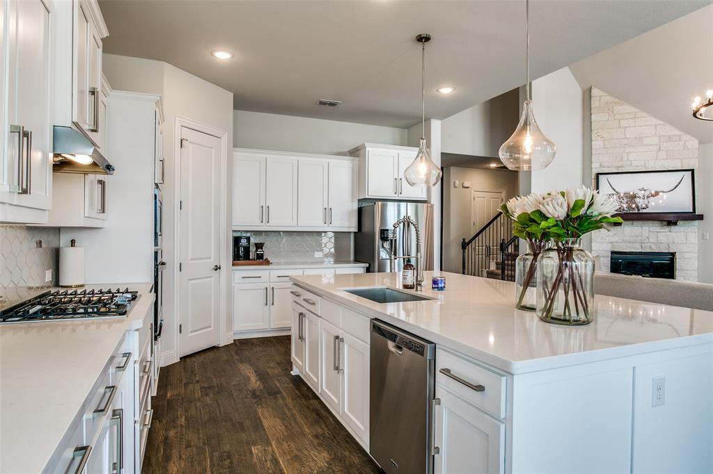 1704 Bellinger  Drive, Fort Worth, Texas 76052 - acquisto real estate best luxury buyers agent in texas shana acquisto inheritance realtor