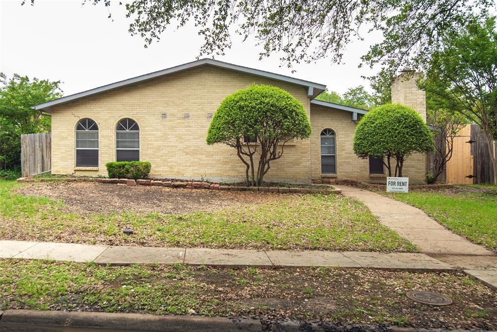 1837 Addington  Drive, Carrollton, Texas 75007 - Acquisto Real Estate best plano realtor mike Shepherd home owners association expert