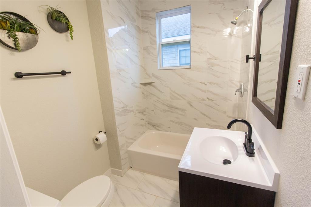 418 Lillian  Street, Dallas, Texas 75211 - acquisto real estate best real estate company to work for