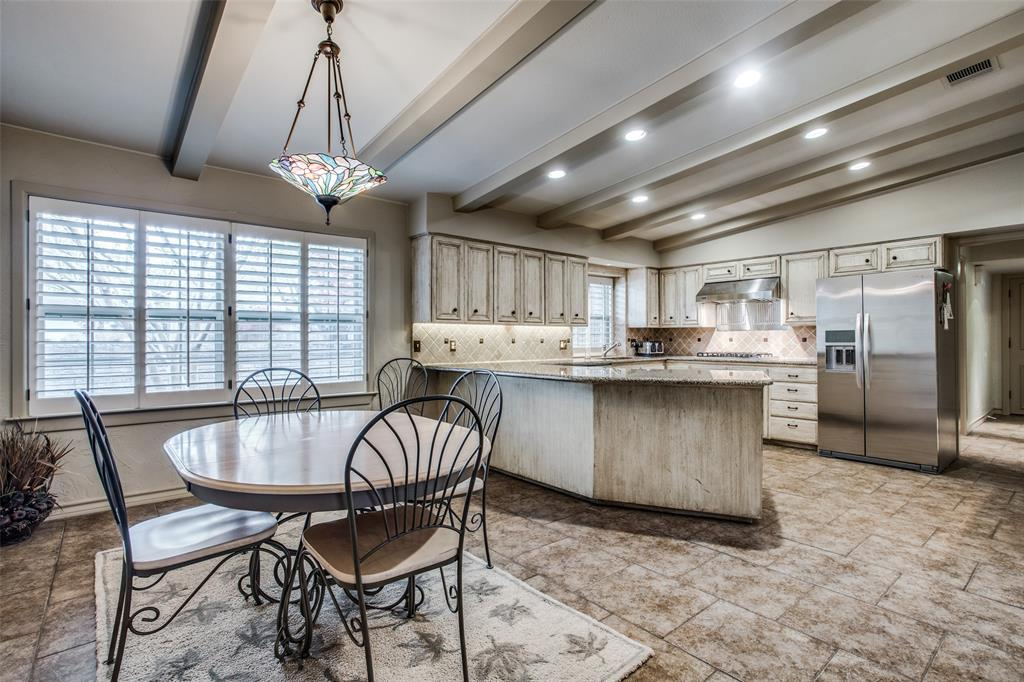 11256 Russwood Circle, Dallas, Texas 75229 - acquisto real estate best real estate company to work for