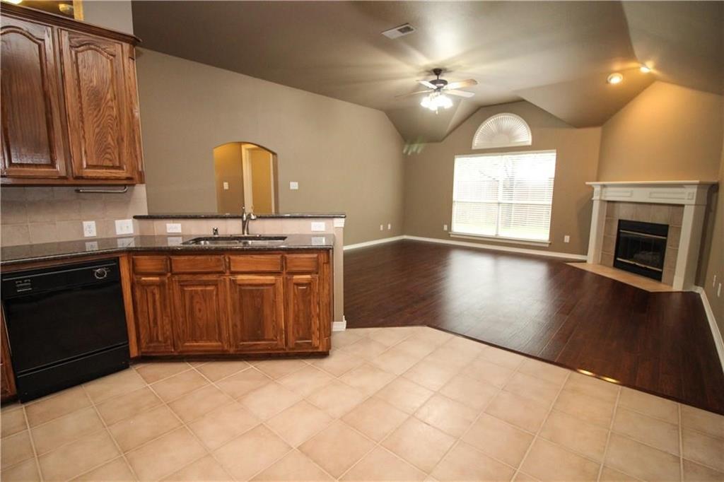 11902 Cobblestone  Drive, Frisco, Texas 75035 - acquisto real estate best real estate company to work for
