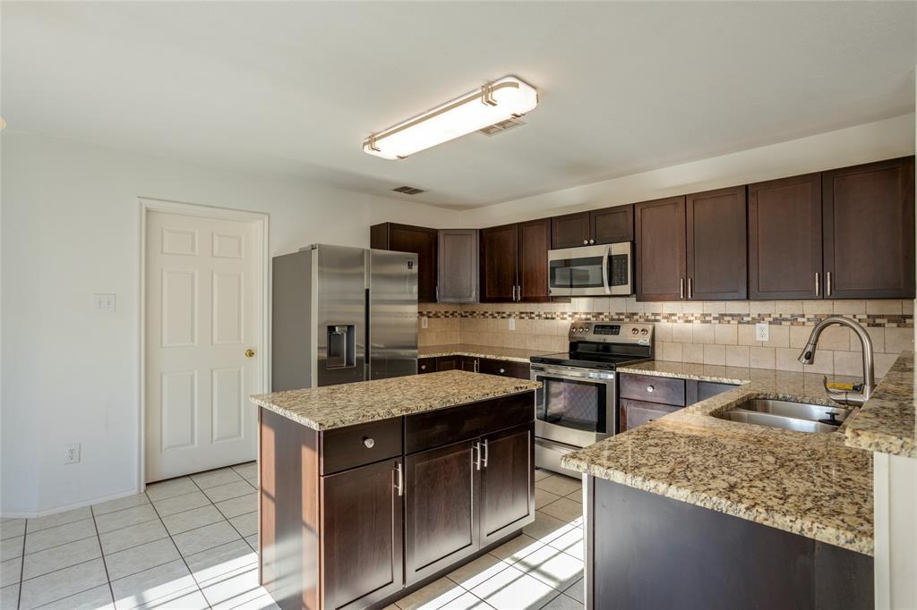 2820 Terrace  Drive, McKinney, Texas 75071 - acquisto real estate best prosper realtor susan cancemi windfarms realtor