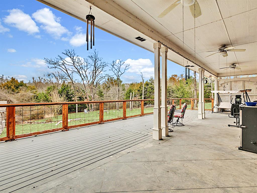 22 Whispering Oaks Drive, Denison, Texas 75020 - acquisto real estate agent of the year mike shepherd
