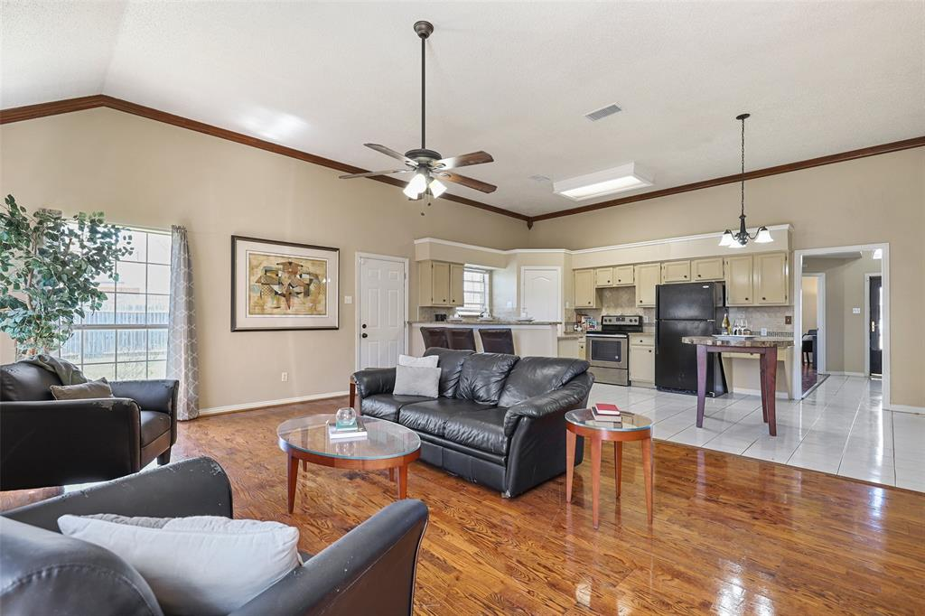 604 Austin Drive, DeSoto, Texas 75115 - acquisto real estate best celina realtor logan lawrence best dressed realtor
