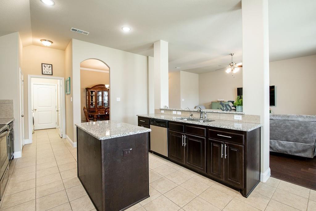 124 Haymeadow  Drive, Crandall, Texas 75114 - acquisto real estate best new home sales realtor linda miller executor real estate