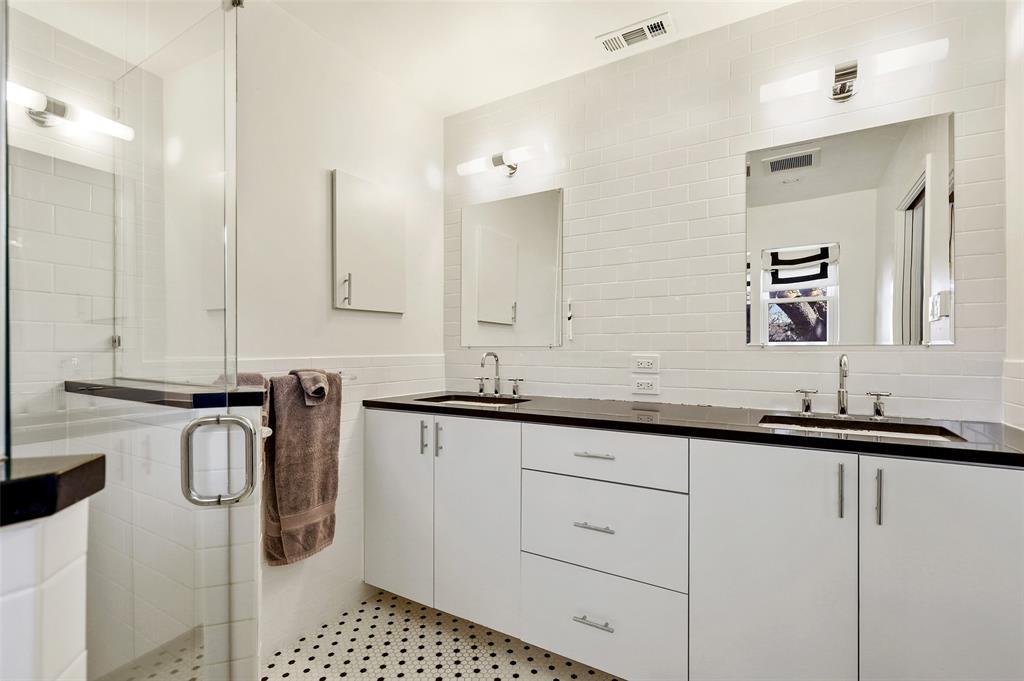 6222 Crestmont Drive, Dallas, Texas 75214 - acquisto real estate best designer and realtor hannah ewing kind realtor