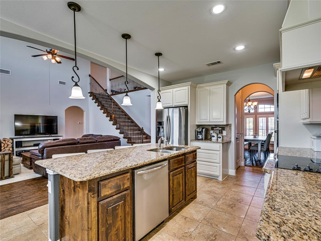 8820 Rex  Court, Waxahachie, Texas 75167 - acquisto real estate best real estate company to work for