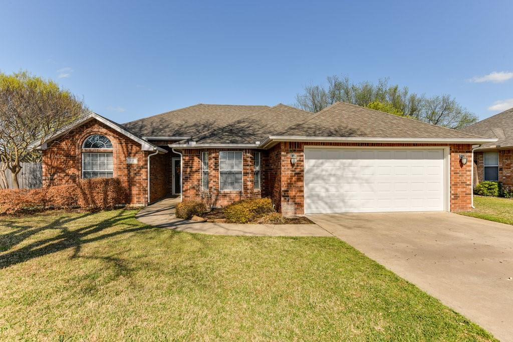 606 Hanover Drive, Waxahachie, Texas 75165 - Acquisto Real Estate best plano realtor mike Shepherd home owners association expert