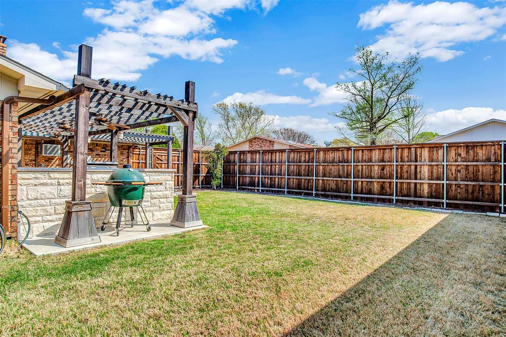 2108 Newcombe Drive, Plano, Texas 75093 - acquisto real estate best park cities realtor kim miller best staging agent