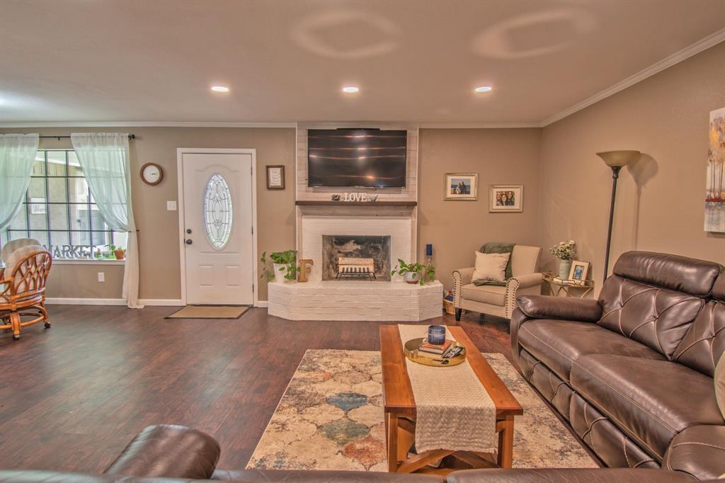 104 Oak Lane, Burleson, Texas 76028 - acquisto real estate best prosper realtor susan cancemi windfarms realtor