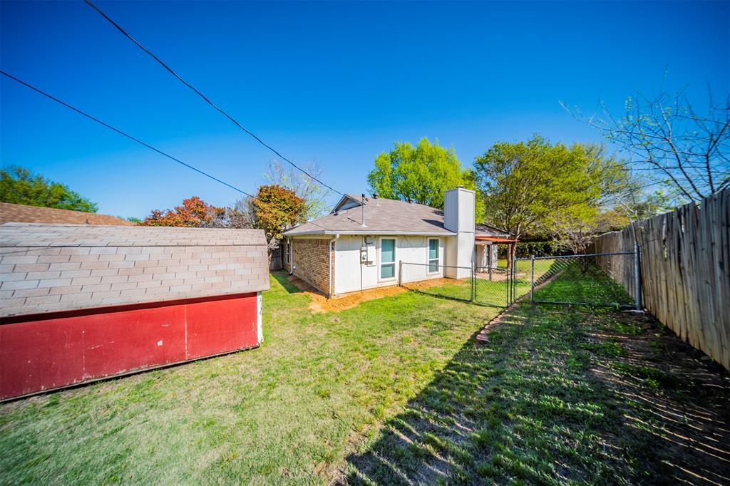 6230 Fernwood  Drive, Arlington, Texas 76001 - acquisto real estate best realtor dfw jody daley liberty high school realtor