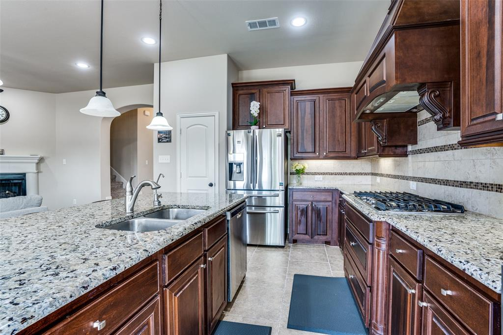 6913 Denali  Drive, McKinney, Texas 75070 - acquisto real estate best real estate company to work for