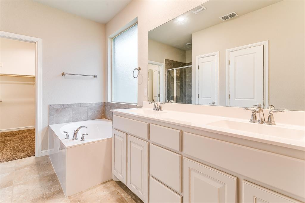 568 Pendennis  Drive, Saginaw, Texas 76131 - acquisto real estate best realtor dallas texas linda miller agent for cultural buyers
